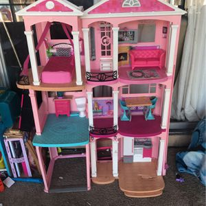 Barbie House for Sale in Atwater, CA