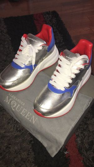 Alexander McQueen size 41(8) for Sale in Chicago, IL