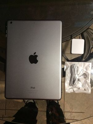 iPad Air 1st Generation 16GB WiFi for Sale in Queens, NY