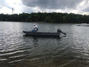 14' jon boat 9.8 mercury motor for Sale in Nashville, TN