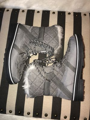 Rue 21 Snow Winter Quilted Faux Fur Boots Women S 8/9 New for Sale in Compton, CA