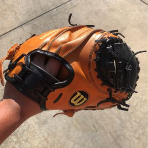Wilson A2000 pudge model catchers glove 32.5 for Sale in Redwood City, CA