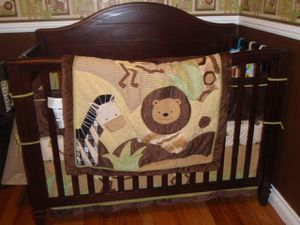 Crib bedding set for Sale in Beaumont, CA