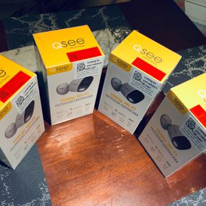 📡📸 Bundle Of 4 Security Cameras- Wireless 🎞📸 for Sale in Claremont, CA