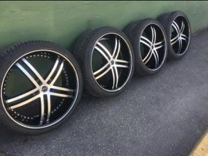 22 inc rims with new tires for Sale in Miami, FL