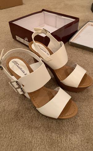 8986d4ddf72 Breckelle s Rudy-11 Open Toe Platform Heels Women s Size 8.5 White for Sale  in Menifee