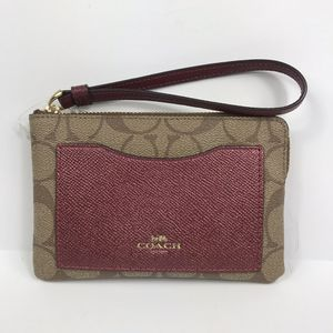 Women's New York coach mini wristlet for Sale in Sioux Falls, SD