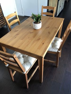 Dining table set for Sale in Laguna Hills, CA