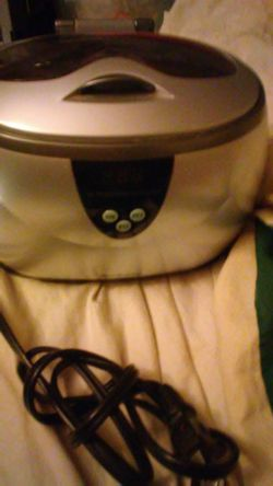 Brookstone ultrasonic cleaner for Sale in UPPER ARLNGTN,  OH