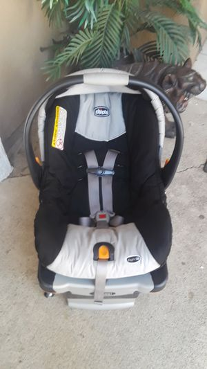 Chicco car seat for Sale in Lake Elsinore, CA