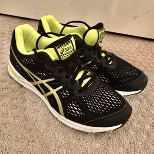 Boys ASICS Black/Yellow Sneakers - Size 6.5 for Sale in Lake Worth, FL