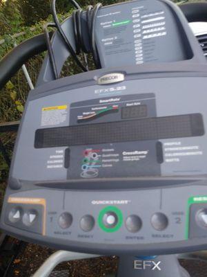 Precor EFX 5.23 elliptical for Sale in Tampa, FL