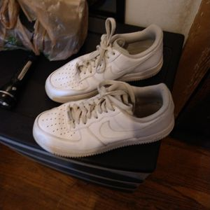 Men's Nike Air Size 8.5 White for Sale in Mill Hall, PA