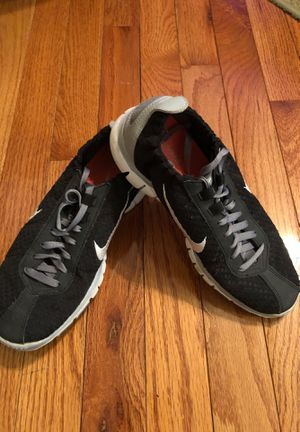 Nike Ladies Black Lightweight Athletic Gym Shoes for Sale in Chicago, IL