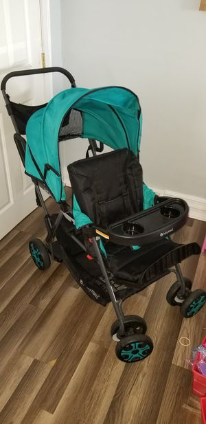 Sit and stand double stroller for Sale in Burlington, NJ