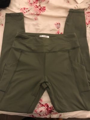Forever 21 pocket leggings Olive green small for Sale in Chino, CA