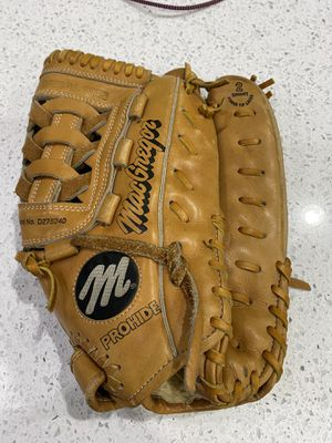 MacGregor premium prohide OF4 outfield 13 inch glove for Sale in Vancouver, WA