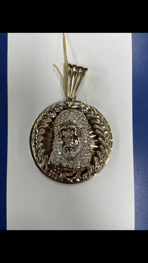 10kt round Jesus pendent with czs for Sale in Lake Worth, FL