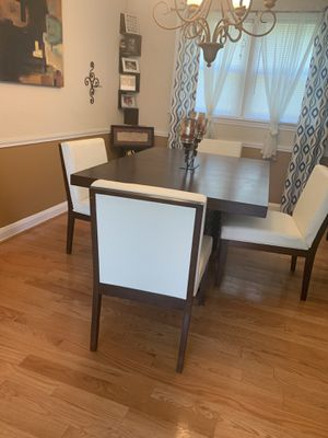 4 Dining Room Chairs White for Sale in Woodlawn, MD