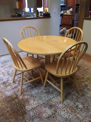 Solid wood kitchen table and chairs for Sale in Everett, WA