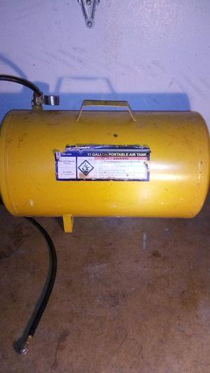 11 gallon portable air tank for Sale in Elgin, IL