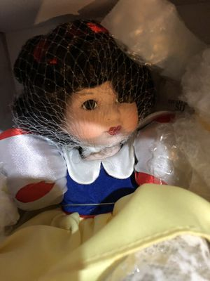 "Marie Osmond ""Tiny Tots"" collection , baby Snow White for Sale in Springfield, VA"