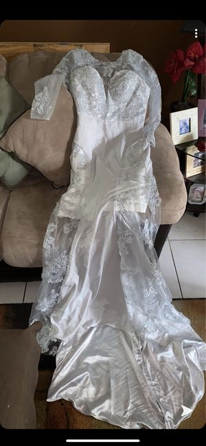 SILVER LONG SLEEVE PROM DRESS for Sale in Plantation, FL