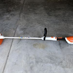Stihl FSA 57 Battery Trimmer w/ Charger & Battery for Sale in Suffolk, VA