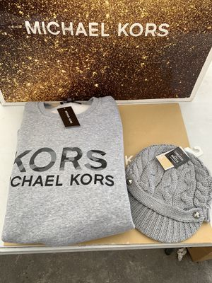 Michael Kors Sweater size Large and MICHAEL Michael Kors Patchwork Cable-Knit Peak Ha one size NWT serious inquires only please Low offers will be for Sale in Pico Rivera, CA