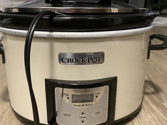 White Crock Pot for Sale in Arlington,  VA