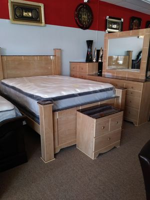 Complete queen bedroom set with mattress no box spring for Sale in Dearborn, MI