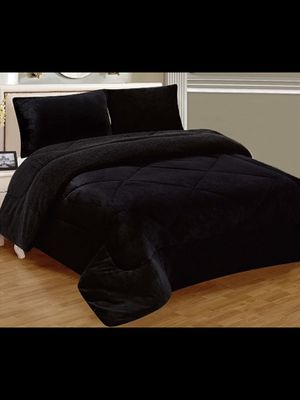 Brand New Black Warm Super Thick Soft Borrego Sherpa Quilted Blanket 3 Piece Set with Pillow Shams Queen Size for Sale in Los Angeles, CA