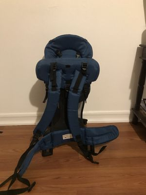 Hiking backpack to carry baby for Sale in Los Angeles, CA