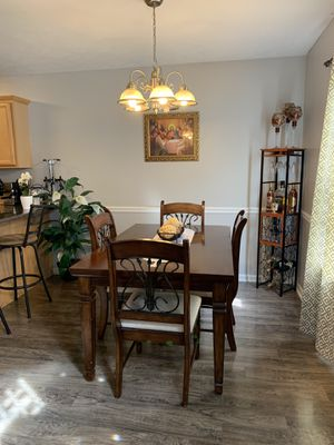 Dining room set for Sale in La Vergne, TN