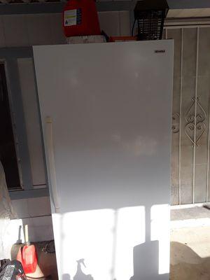 Sears Kenmore freezer for Sale in Wildomar, CA