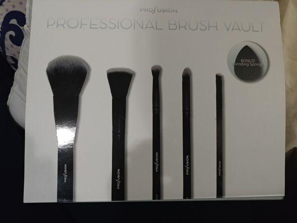 Profusion professional brush vault set kit NEW 6 piece