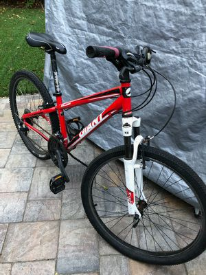 Giant Brand Mountain Bike for Sale in Los Altos, CA