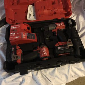Milwaukee set de Drill fuel for Sale in Kensington, MD