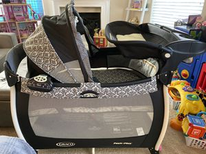 Graco Pack & Play with Canopy and Changing Station for Sale in Anaheim, CA