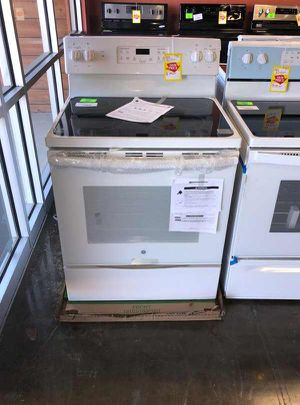 Brand New GE Electric Stove (Model:JB645DKWW) PU XK for Sale in Forney, TX