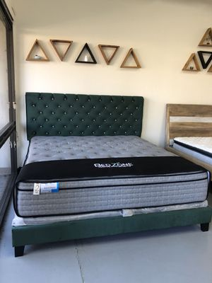 BRAND NEW UPHOLSTERED BED FRAME WITH CRYSTAL TUFTED HEADBOARD - FULL / QUEEN / EASTERN KING for Sale in Stockton, CA