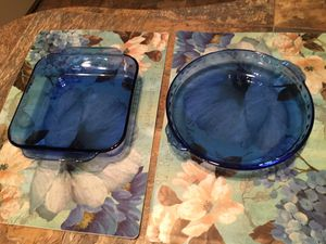 "2 BLUE PYREX GLASS DISHES 10"" PIE DISH & 8.5"" SQUARE CASSEROLE DISH for Sale in Sebastian, FL"