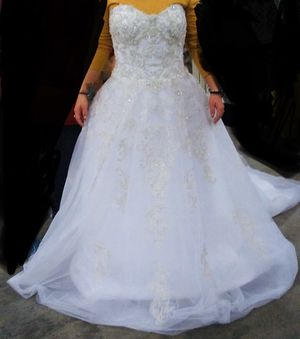 Wedding Dress for Sale in Hamilton, OH