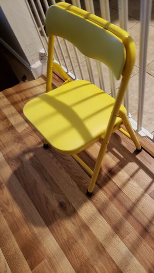 Toddler yellow chair . for Sale in San Jose, CA