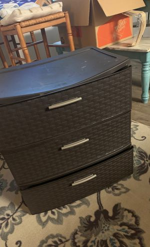 Free 3 drawer container for Sale in Palm Beach Gardens, FL