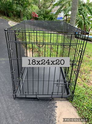 Like new small dog crate for Sale in Clermont, FL