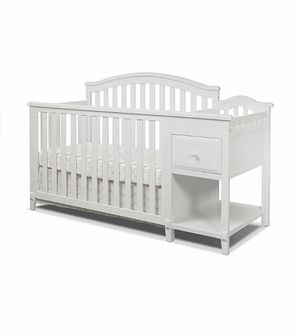 Convertable crib and changer for Sale in Palmdale, CA