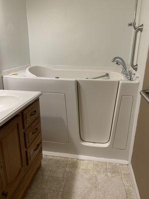Walk in tub for Sale in Tacoma, WA