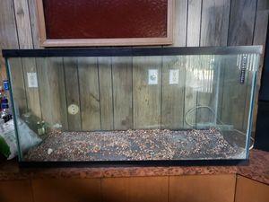 90 gallon aquarium for Sale in Southfield, MI