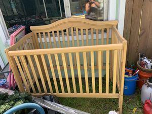Free crib *PENDING PICKUP* for Sale in Tacoma, WA
